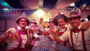 Oktoberfest met live muziek, zanger/gitarist, dj & entertainment - bierfeest, tirolerfeest, après ski party of oktoberfest - alles is mogelijk