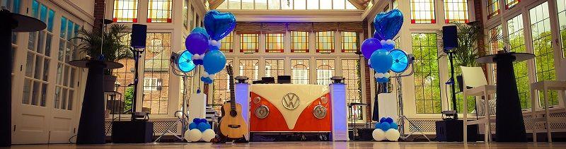bruiloft-Stephan Barneveld - zanger/gitarist en entertainer - voor al uw feesten - bedrijfsfeesten, personeelsfeesten, bruiloftsfeesten, huwelijksfeest - dorpsfeest , themafeest - livemuziek en dj - inclusief reiskosten en btw - trouwfeest - festivalbruiloft of themabruiloft - alles is mogelijk -compressor - trouwen in het buitenland - Volkwagen T1