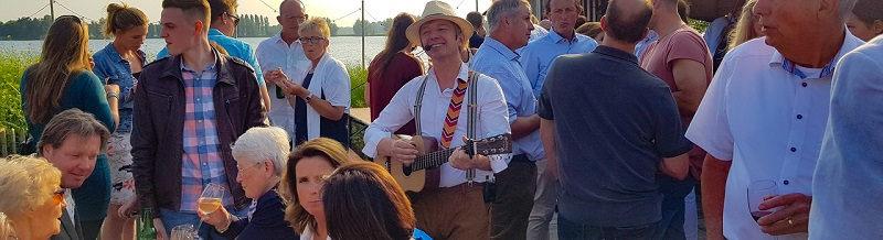 Ibiza themafeest, festival themafeest met livemuziek, dj, decoratie & entertainment - festival feest - beach party - strandfeest- Stephan Barneveld - zanger/gitarist en entertainer - voor al uw feesten - bedrijfsfeesten, personeelsfeesten, bruiloftsfeesten, huwelijksfeest - dorpsfeest , themafeest - livemuziek en dj - inclusief reiskosten en btw - trouwfeest, vrijmibo, receptie of borrel - ook in het buitenland - cruiseboten ook mogelijk! Festival? kijk bij ons festival thema