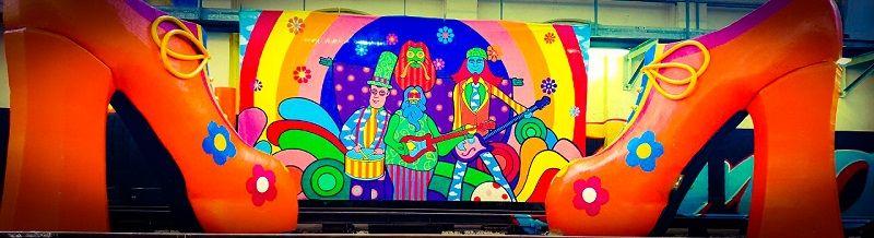 Woodstock themafeest met livemuziek, dj, decoratie & entertainment - Stephan Barneveld - zanger/gitarist en entertainer - voor al uw feesten - bedrijfsfeesten, personeelsfeesten, bruiloftsfeesten, huwelijksfeest - dorpsfeest , themafeest - livemuziek en dj - inclusief reiskosten en btw - trouwfeest, vrijmibo, receptie of borrel - ook in het buitenland - woodstock themafeest