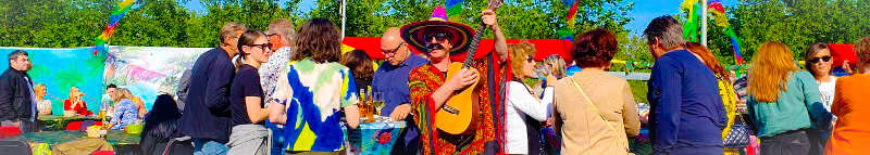 Zomerse strandparty of Beach feest - Geniet tijdens dit zonnige themafeest - Feest met livemuziek met zanger, gitarist en entertainer, dj, decoratie - zeer geschikt voor dorpsfeesten, tentfeesten, bedrijfsfeesten, theaters, cruiseschepen, verjaardagen of gewoon feest