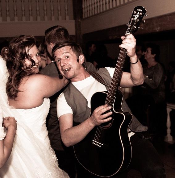 Bruiloft met Live Muziek & Dj voor bruiloftsfeesten, trouwfeesten