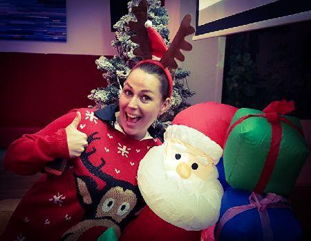 Foute kerstparty met kerstquiz - Vier kerst eens lekker fout met ons foute kerstfeest! Kerstfeest met livemuziek, dj, entertainment en een hele foute kerstquiz